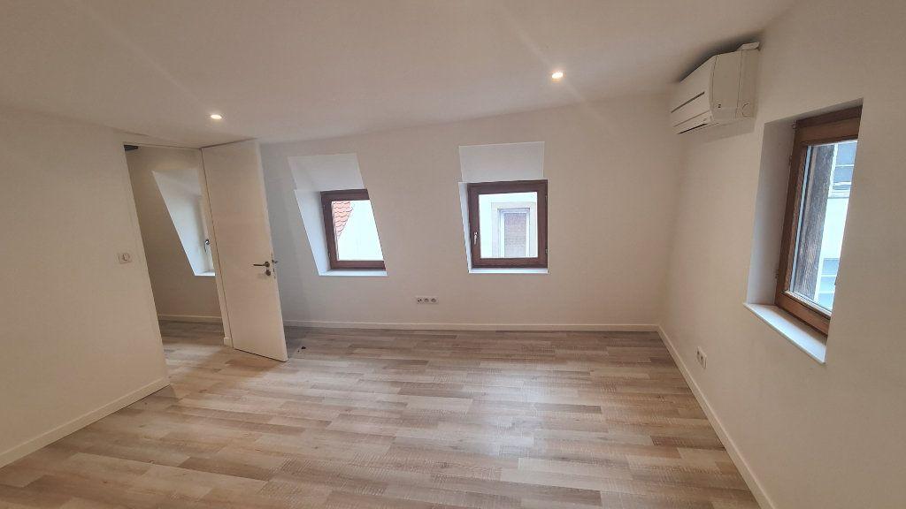 Appartement à louer 3 49.4m2 à Strasbourg vignette-3