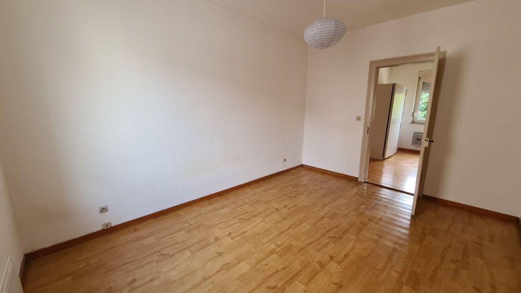 Appartement à louer 3 64m2 à Schiltigheim vignette-3