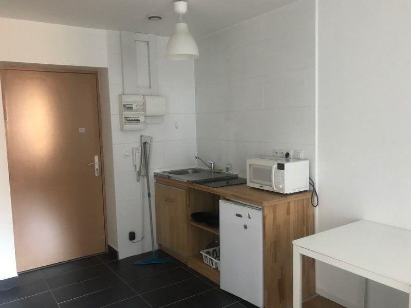 Appartement à louer 1 21.8m2 à Strasbourg vignette-4