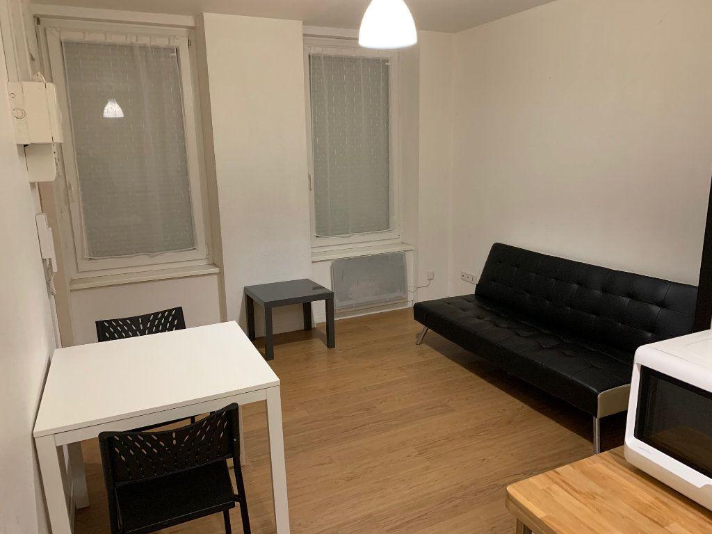 Appartement à louer 1 16.8m2 à Strasbourg vignette-2