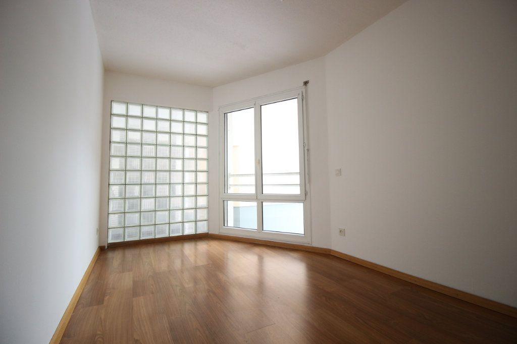 Appartement à louer 2 46.71m2 à Schiltigheim vignette-1