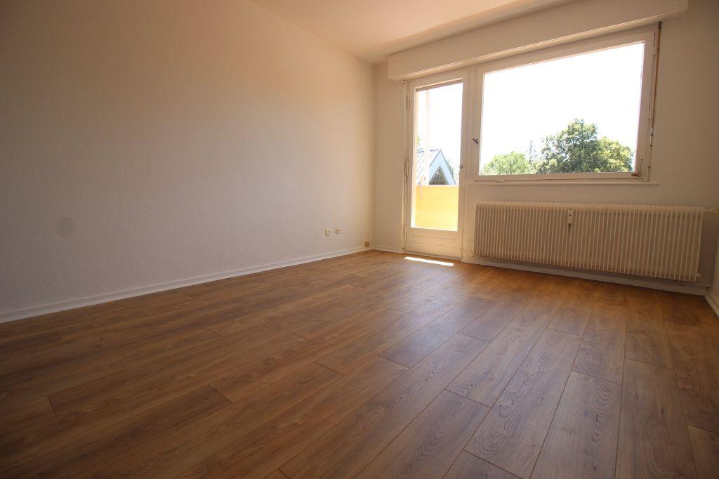 Appartement à louer 2 51m2 à Strasbourg vignette-3