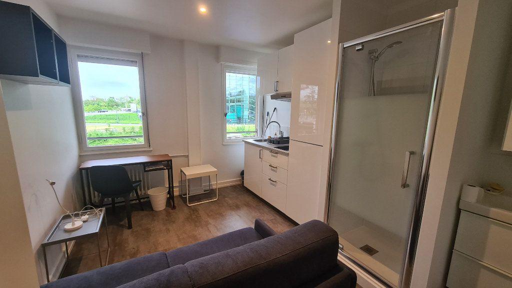Appartement à louer 1 11.5m2 à Strasbourg vignette-2