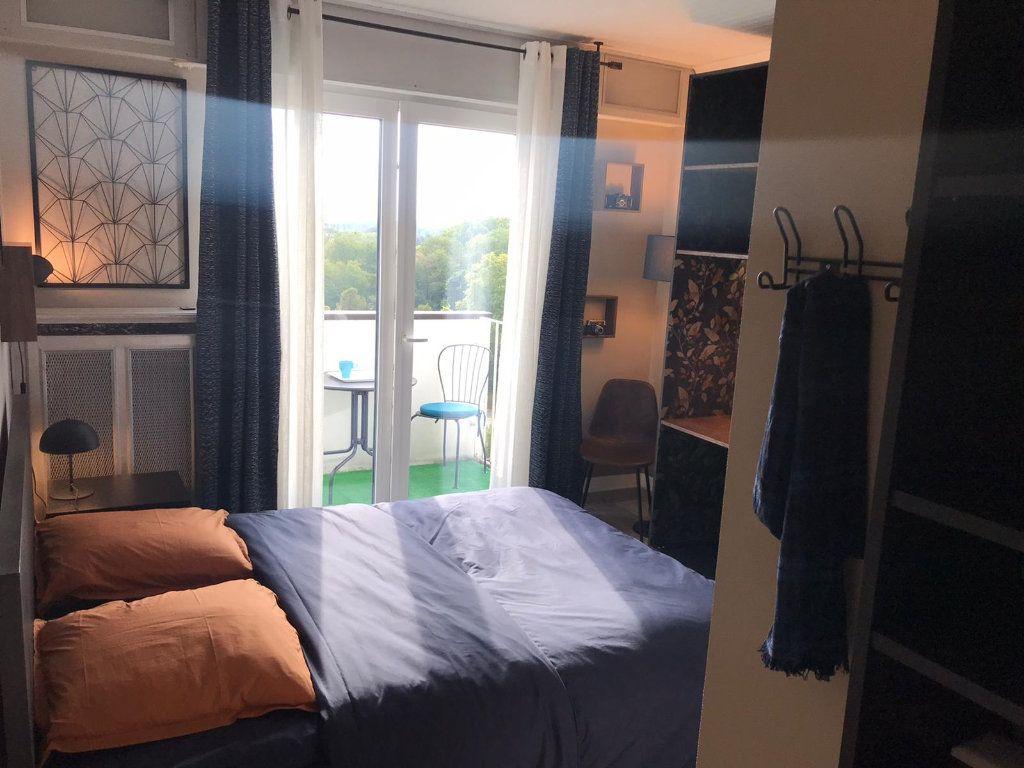 Appartement à louer 1 11.4m2 à Strasbourg vignette-1