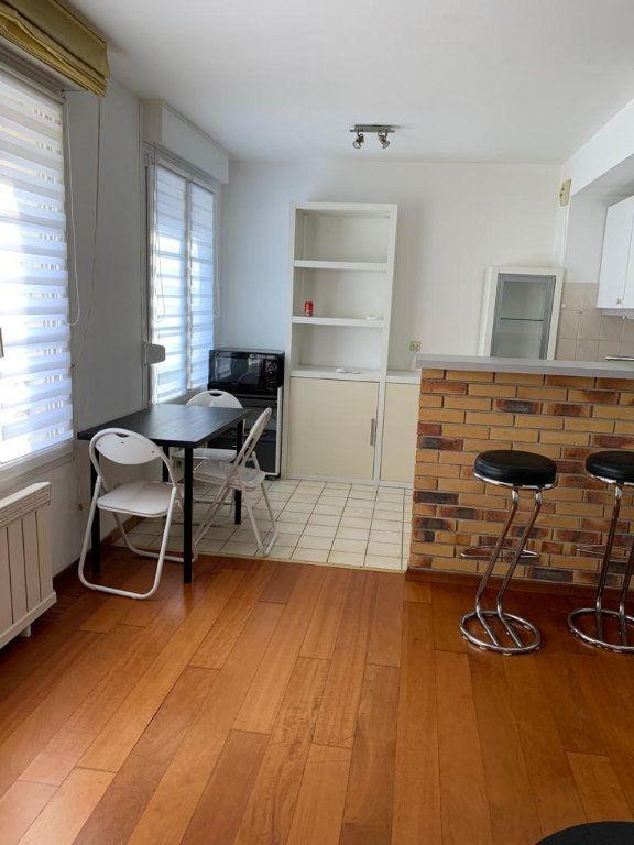 Appartement à louer 2 45m2 à Schiltigheim vignette-1