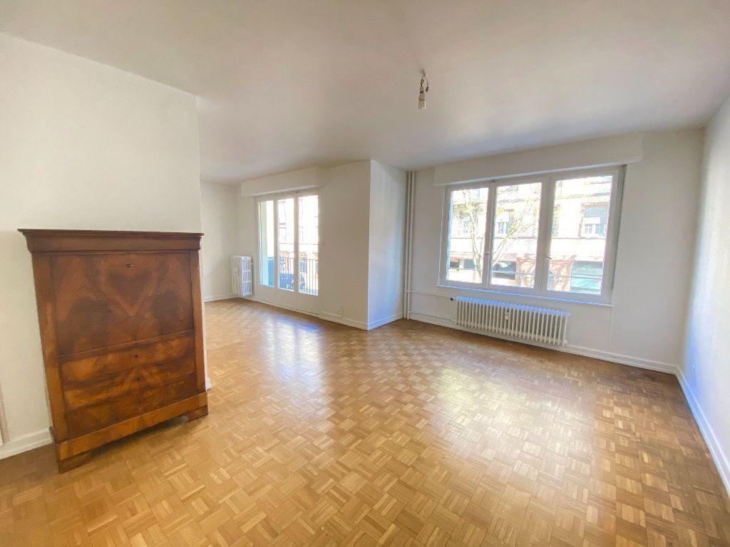 Appartement à vendre 5 137.88m2 à Strasbourg vignette-3