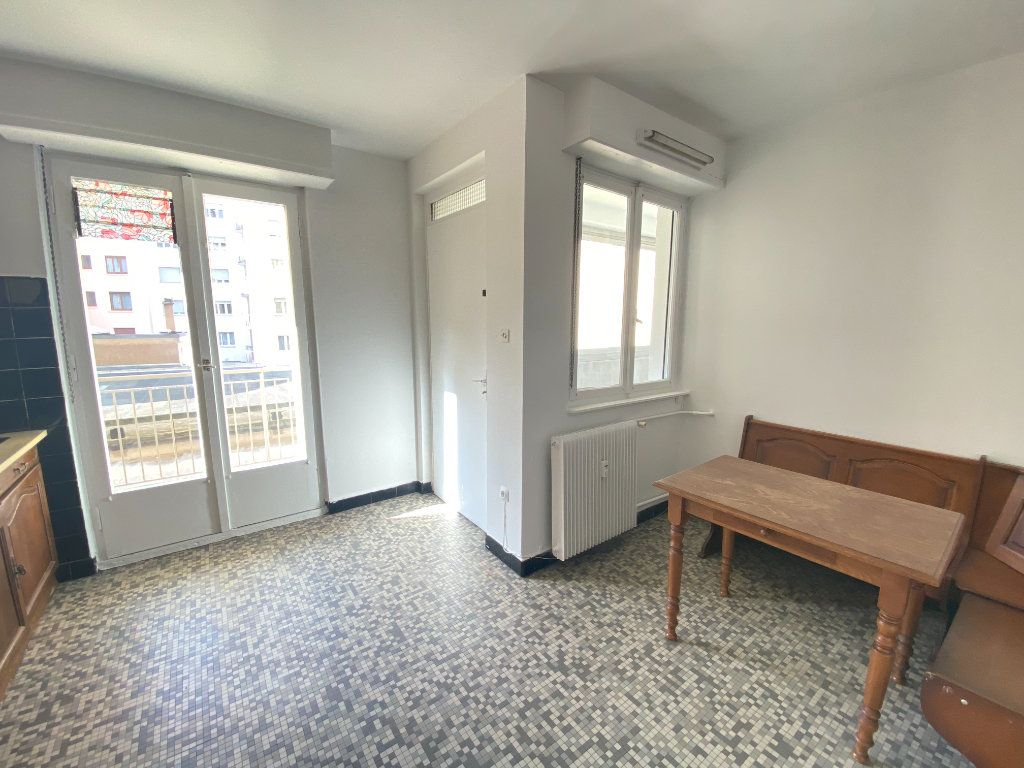 Appartement à vendre 5 137.88m2 à Strasbourg vignette-4