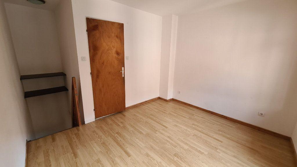 Appartement à louer 1 23.68m2 à Schiltigheim vignette-2