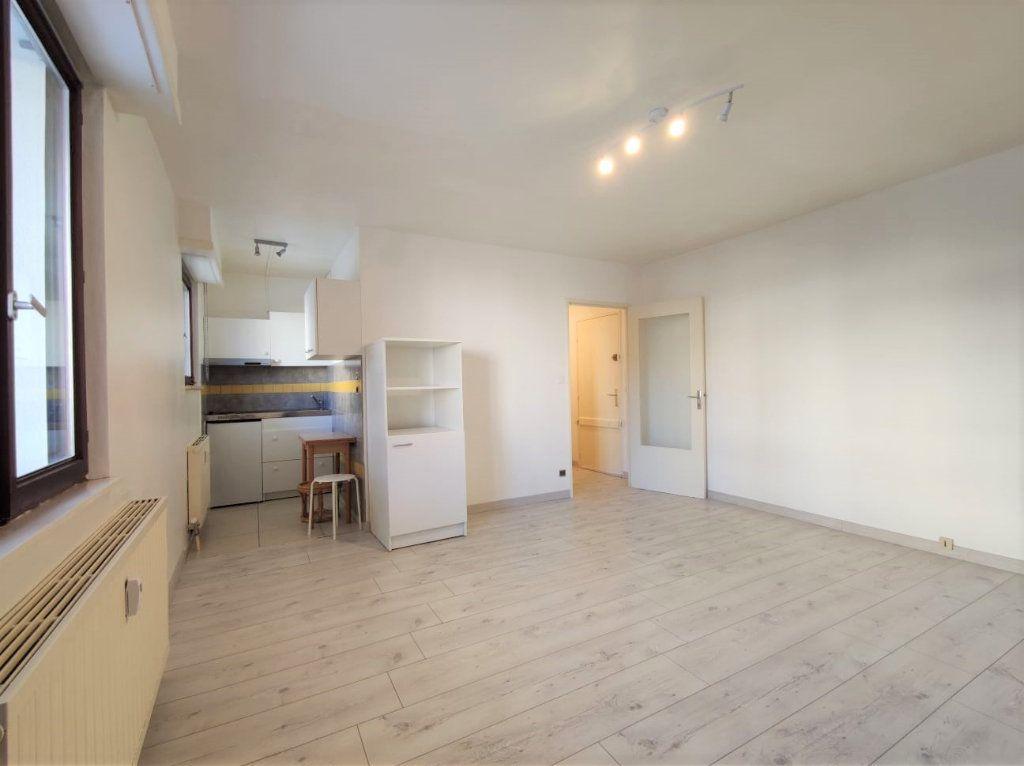 Appartement à louer 1 29.1m2 à Strasbourg vignette-1