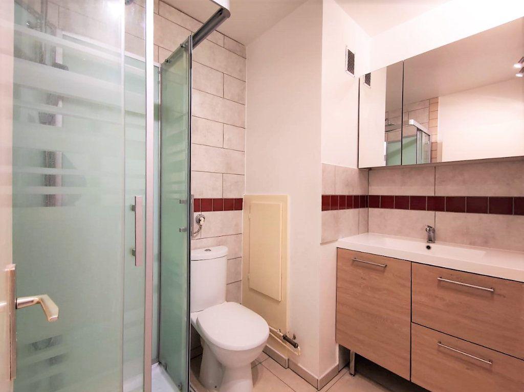 Appartement à louer 1 29.1m2 à Strasbourg vignette-3