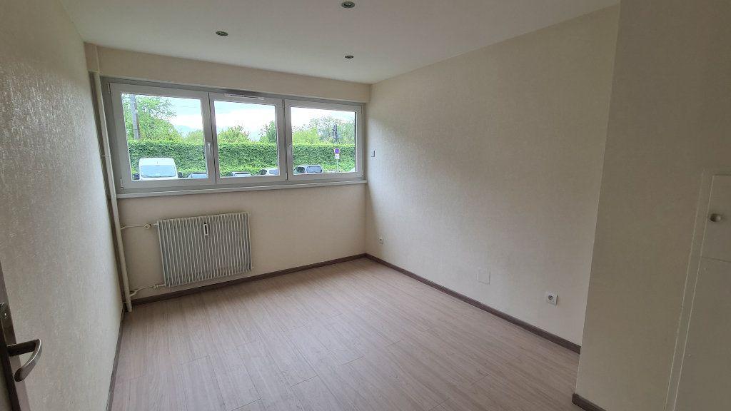 Appartement à louer 3 74.88m2 à Strasbourg vignette-3