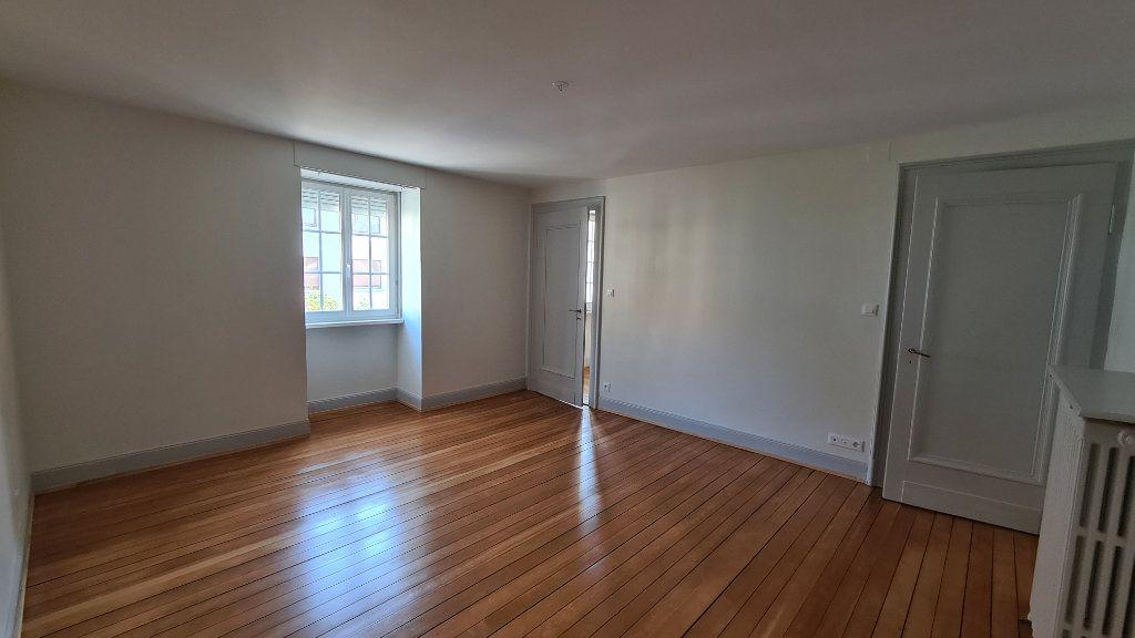 Appartement à louer 4 110m2 à Strasbourg vignette-4