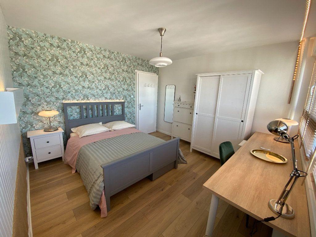 Appartement à louer 1 13m2 à Strasbourg vignette-1