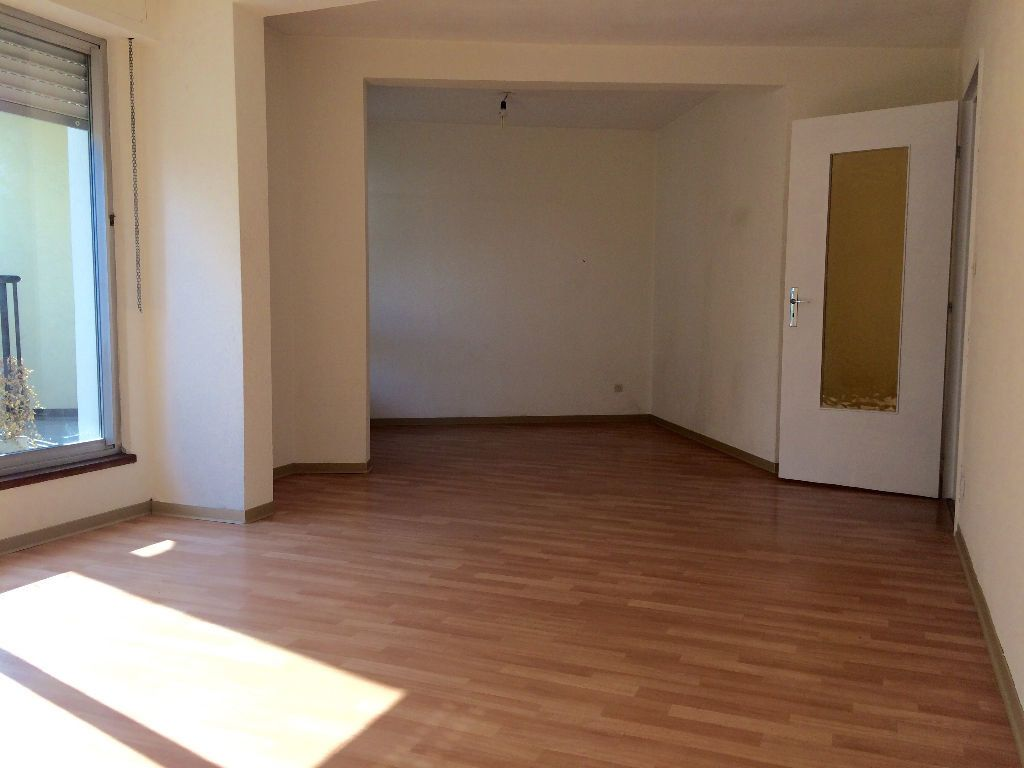 Appartement à louer 2 58.5m2 à Strasbourg vignette-2