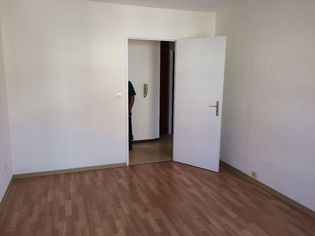 Appartement à louer 2 58.5m2 à Strasbourg vignette-6