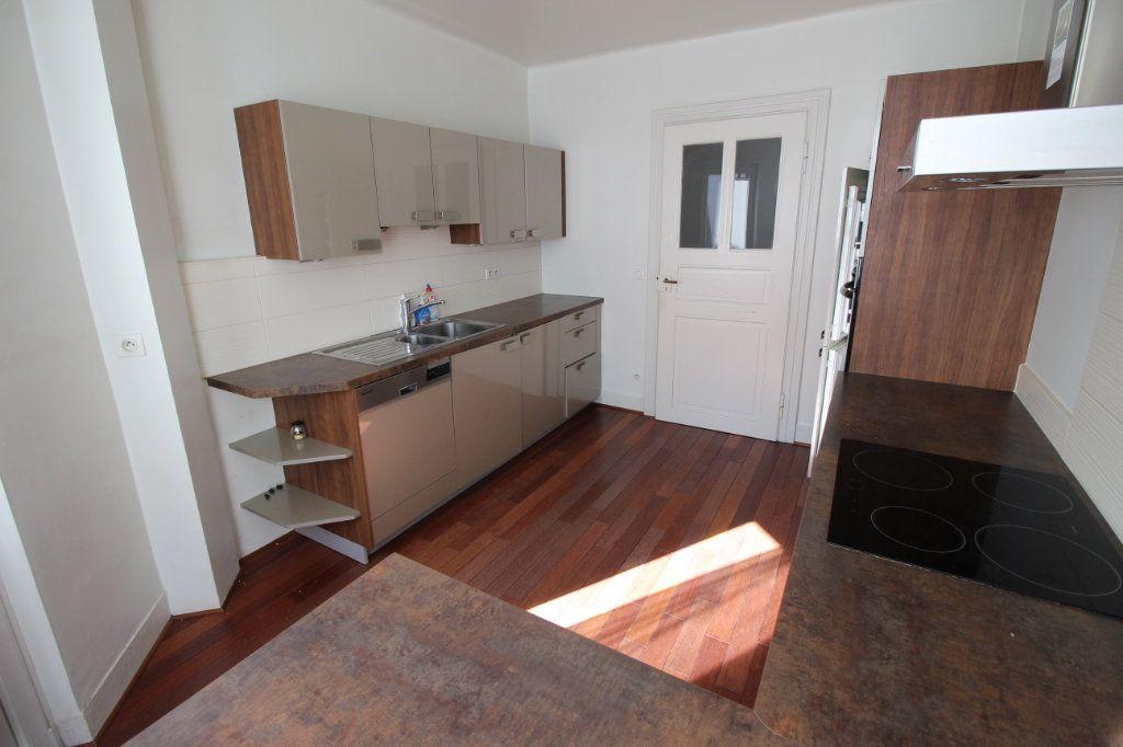 Appartement à louer 3 106m2 à Strasbourg vignette-4