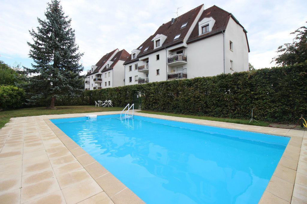 Appartement à louer 4 104.01m2 à Strasbourg vignette-1