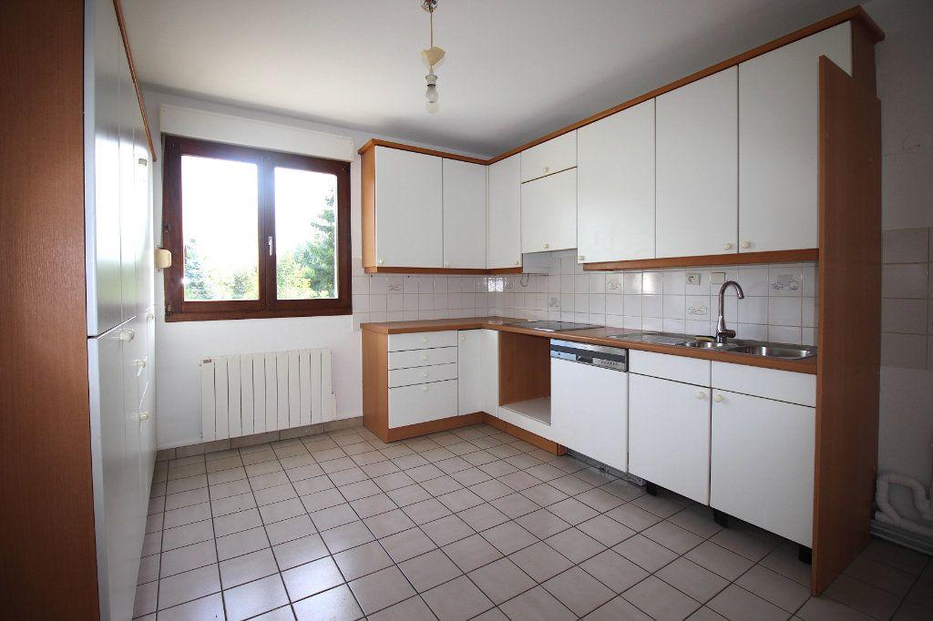 Appartement à louer 4 104.01m2 à Strasbourg vignette-4