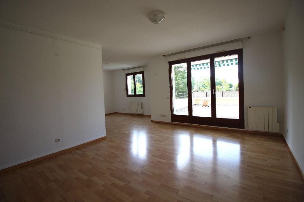 Appartement à louer 4 104.01m2 à Strasbourg vignette-5