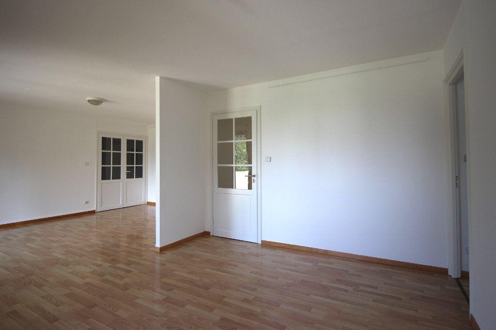 Appartement à louer 4 104.01m2 à Strasbourg vignette-6