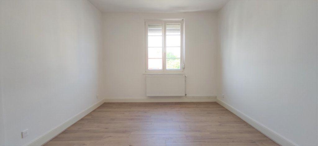 Appartement à louer 3 60.69m2 à Strasbourg vignette-2