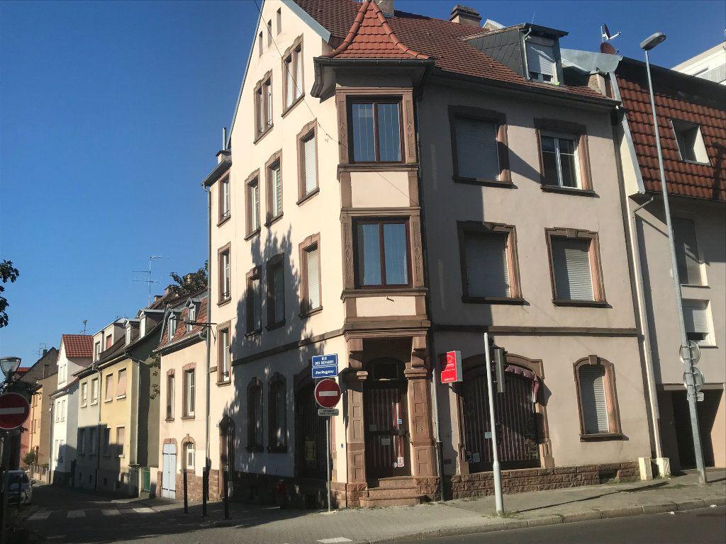 Appartement à louer 1 18m2 à Strasbourg vignette-1