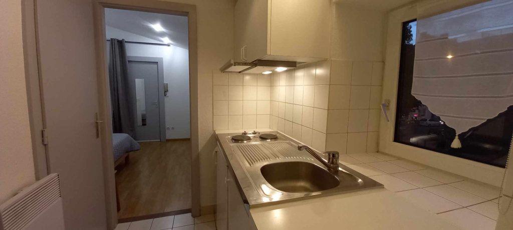 Appartement à louer 1 18m2 à Strasbourg vignette-5