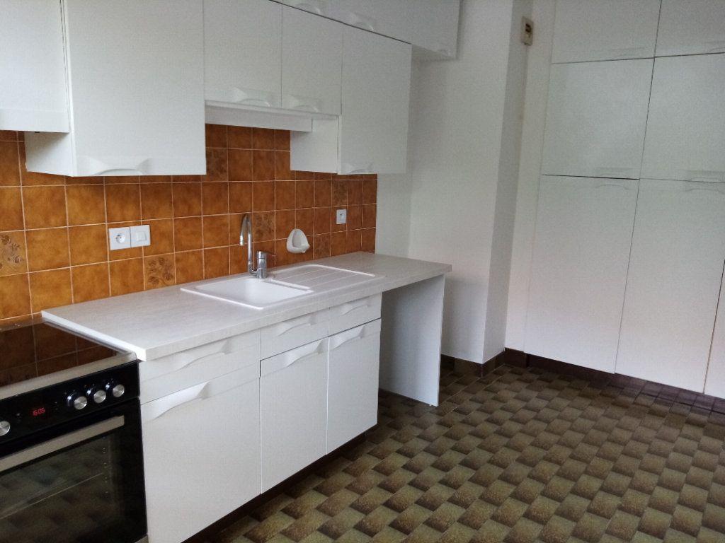 Appartement à louer 5 98.2m2 à Souffelweyersheim vignette-4