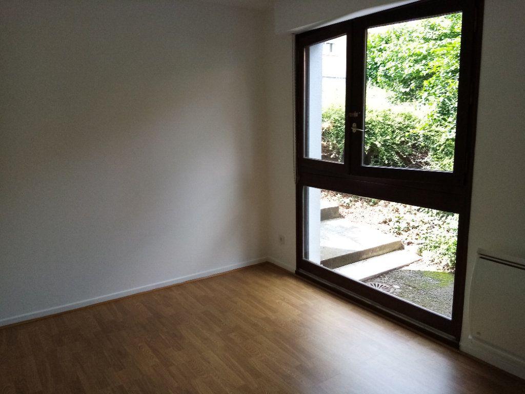 Appartement à louer 5 98.2m2 à Souffelweyersheim vignette-9