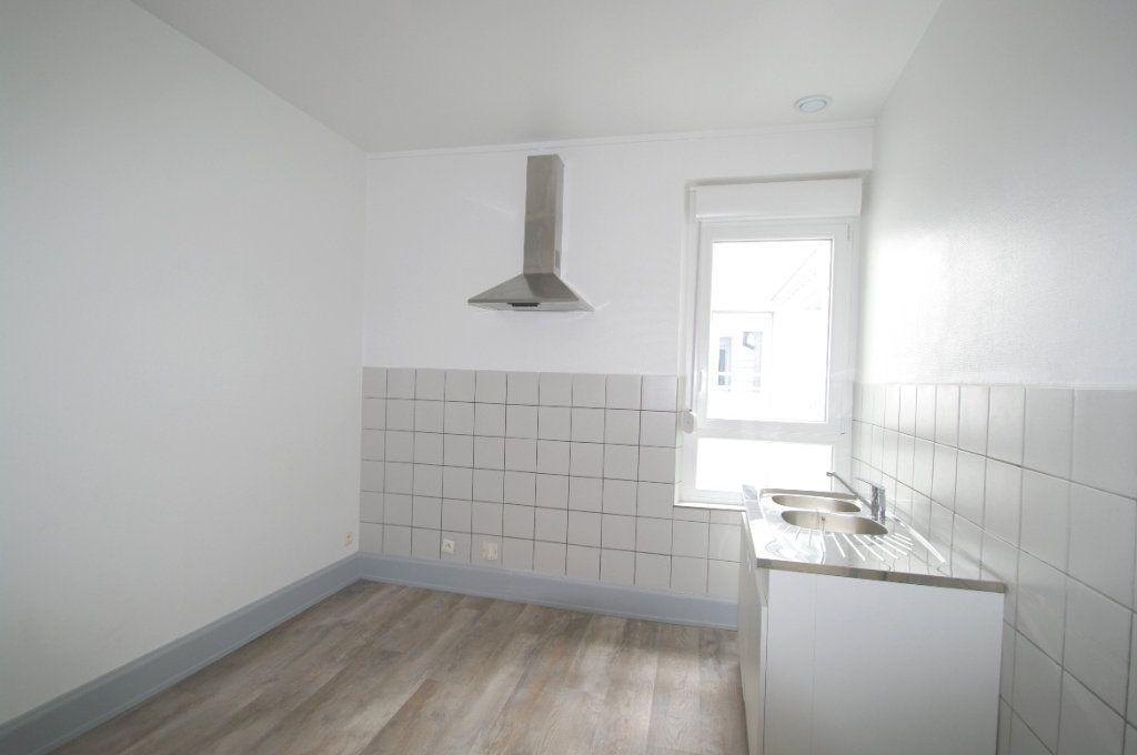 Appartement à louer 2 42.31m2 à Senones vignette-2