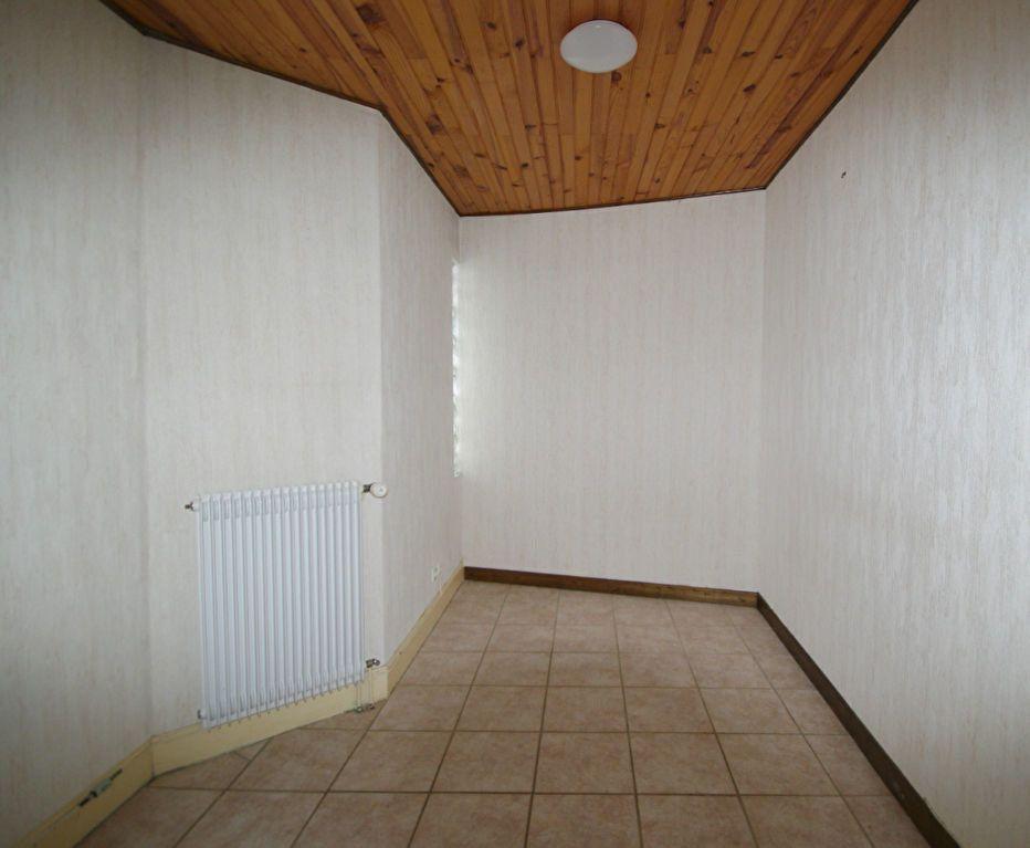 Appartement à louer 3 52m2 à Saales vignette-4