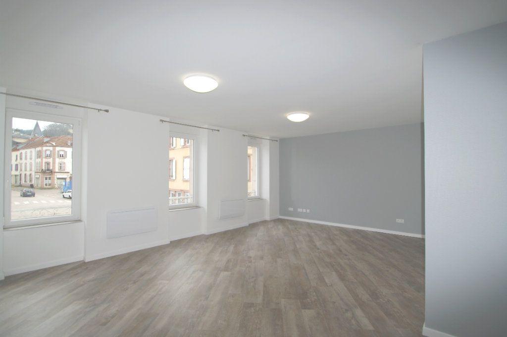 Appartement à louer 2 63.53m2 à Senones vignette-2