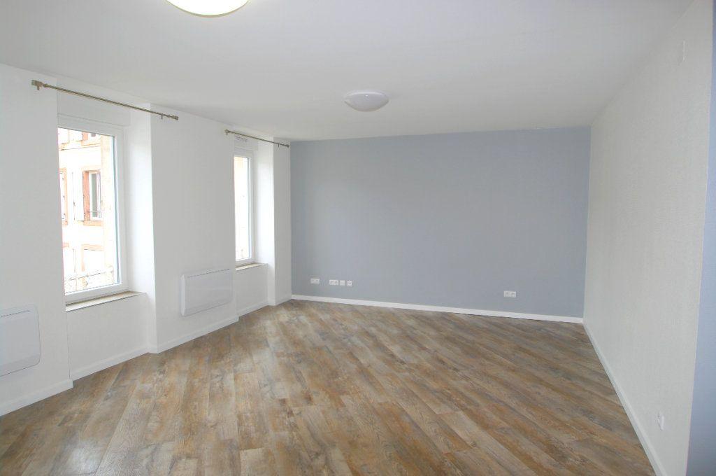 Appartement à louer 2 63.53m2 à Senones vignette-3