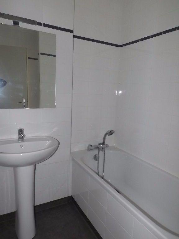 Appartement à louer 3 64m2 à Guingamp vignette-6