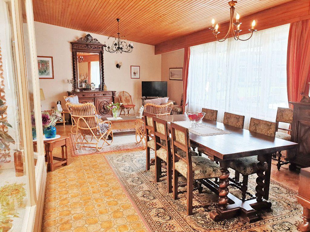 Appartement à vendre 7 136m2 à Perros-Guirec vignette-4
