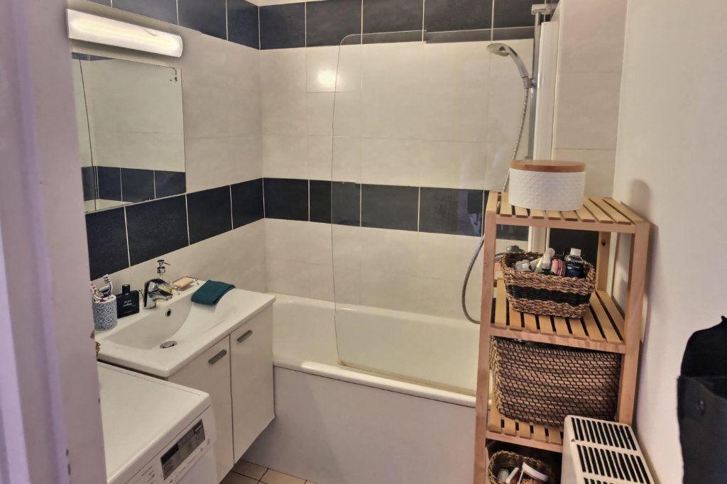 Appartement à vendre 3 56.95m2 à Perros-Guirec vignette-4