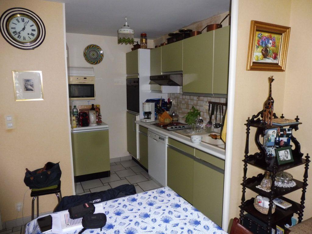 Appartement à vendre 3 79.93m2 à Perros-Guirec vignette-6