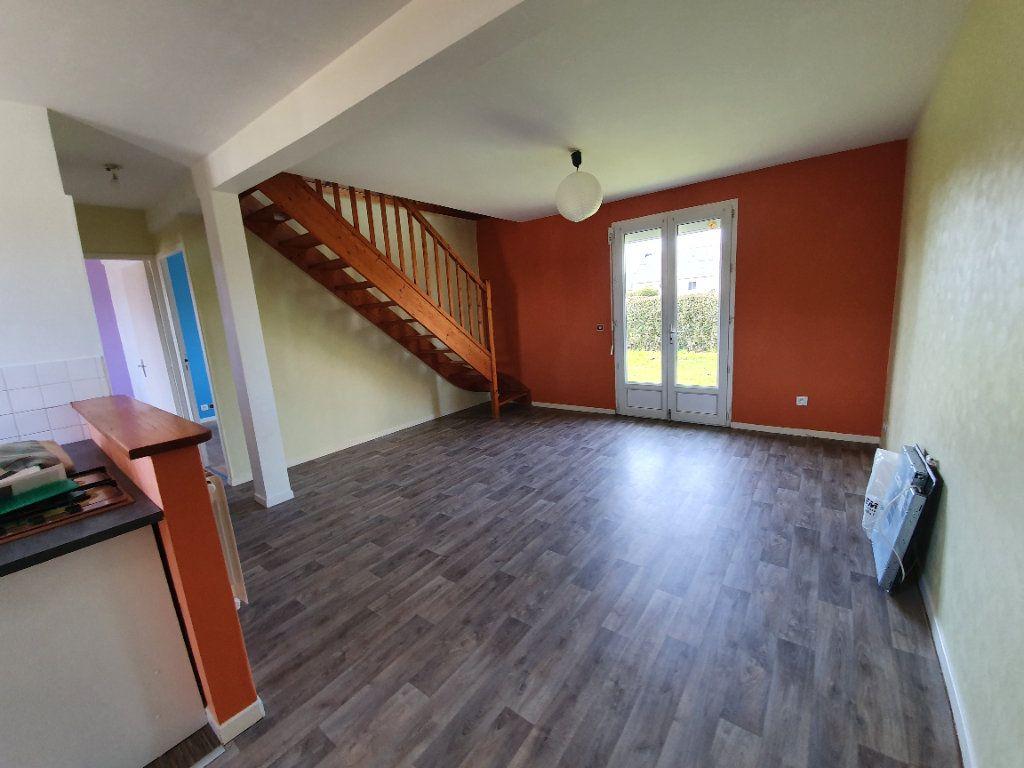 Maison à louer 4 73m2 à Lanmeur vignette-3