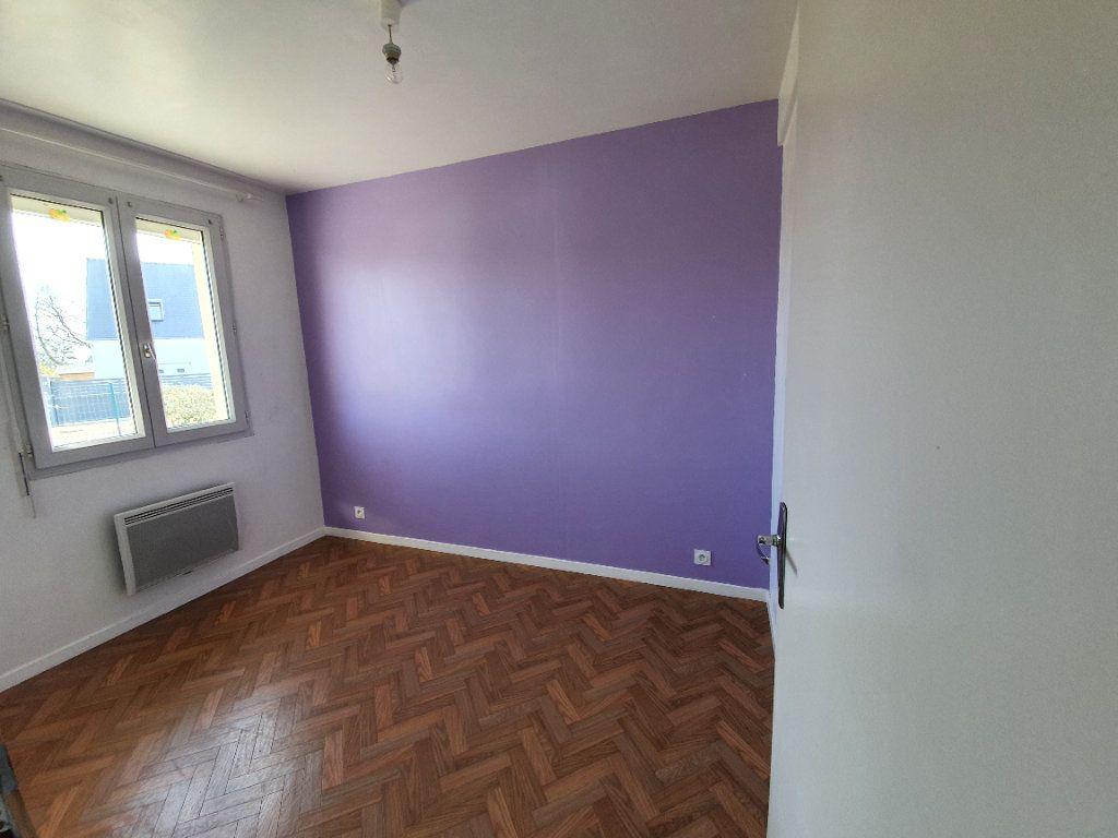 Maison à louer 4 73m2 à Lanmeur vignette-6
