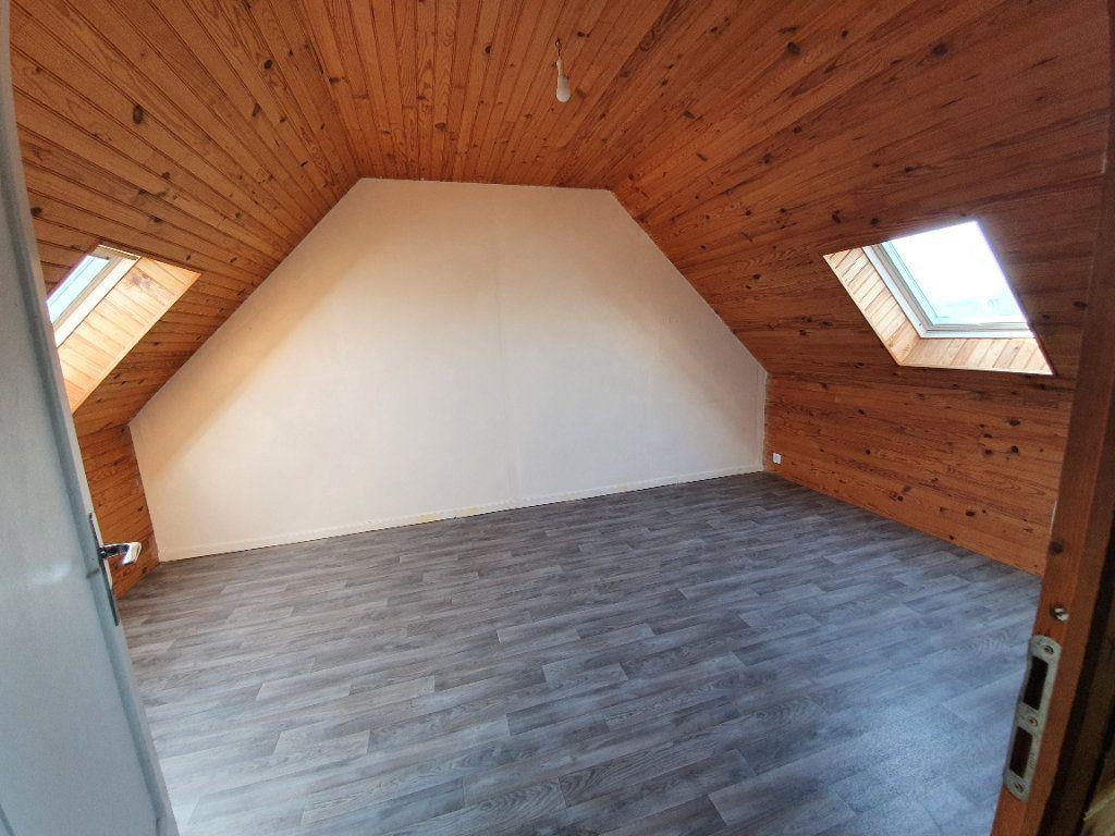 Maison à louer 4 73m2 à Lanmeur vignette-9