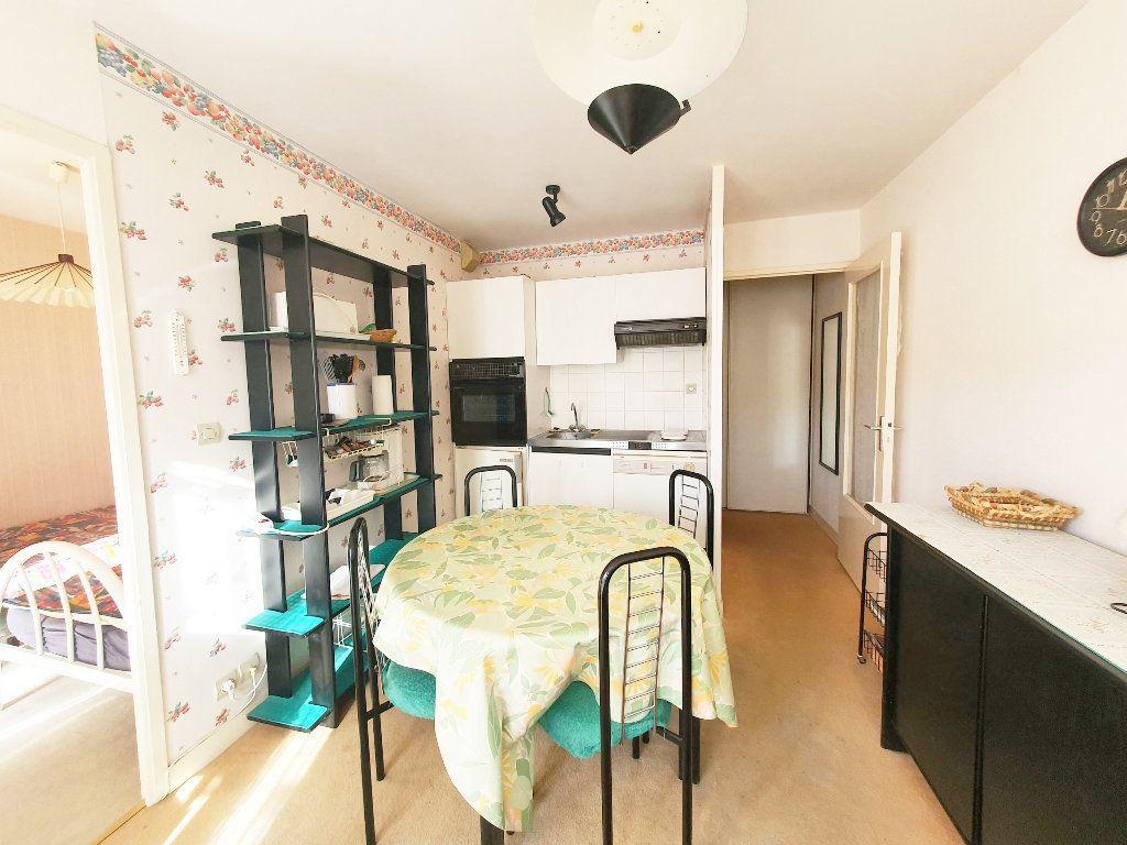 Appartement à vendre 2 28.59m2 à Perros-Guirec vignette-2