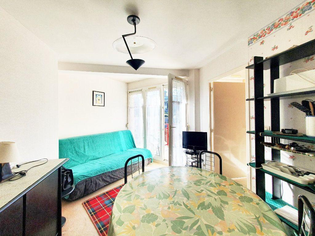 Appartement à vendre 2 28.59m2 à Perros-Guirec vignette-3