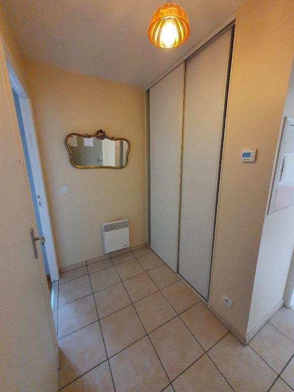 Appartement à louer 2 45m2 à Trébeurden vignette-4