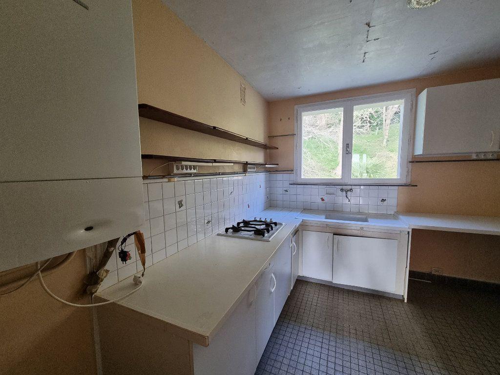 Appartement à vendre 4 70.71m2 à Perros-Guirec vignette-5
