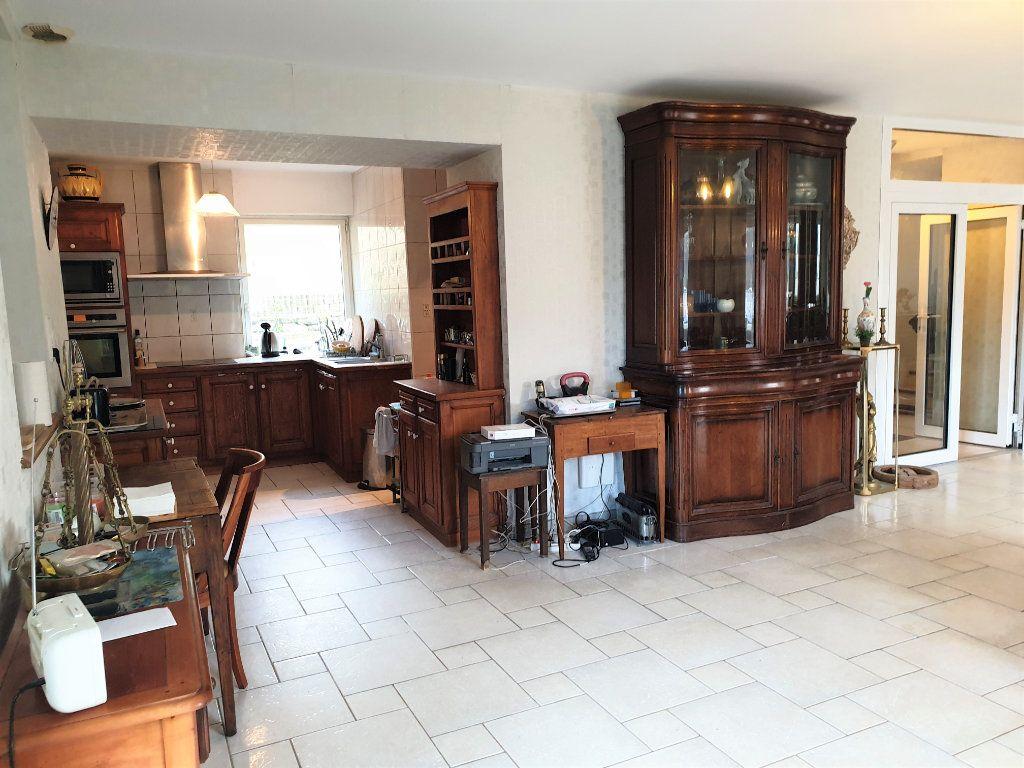 Maison à vendre 7 156.8m2 à Lannion vignette-4