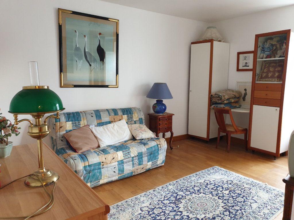 Maison à vendre 7 156.8m2 à Lannion vignette-9