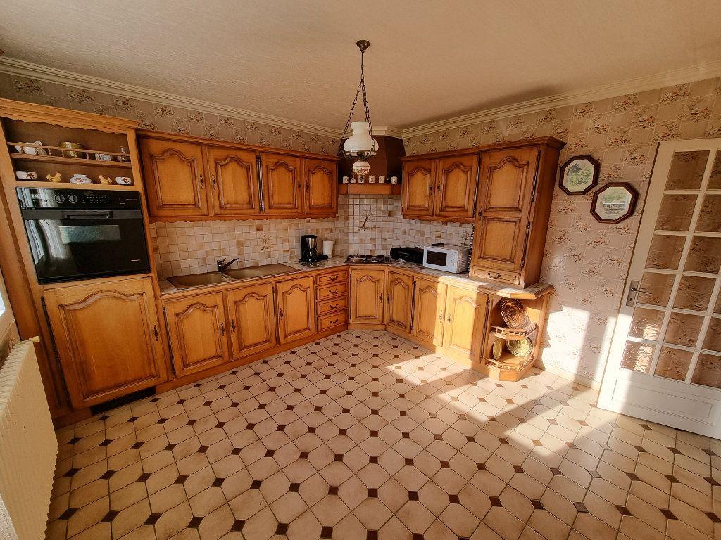 Maison à vendre 5 130m2 à Brélidy vignette-5