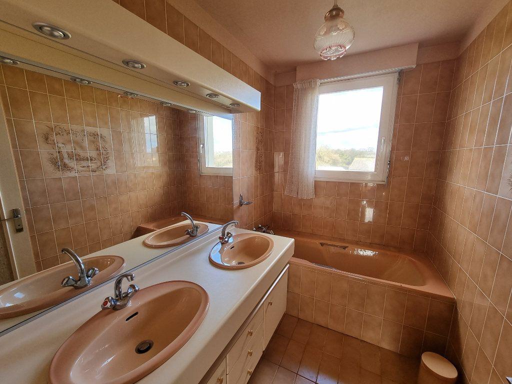 Maison à vendre 5 130m2 à Brélidy vignette-6