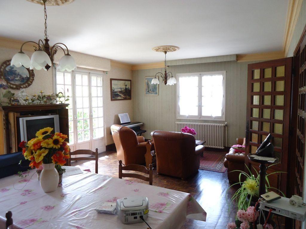 Maison à vendre 7 145m2 à Rostrenen vignette-3