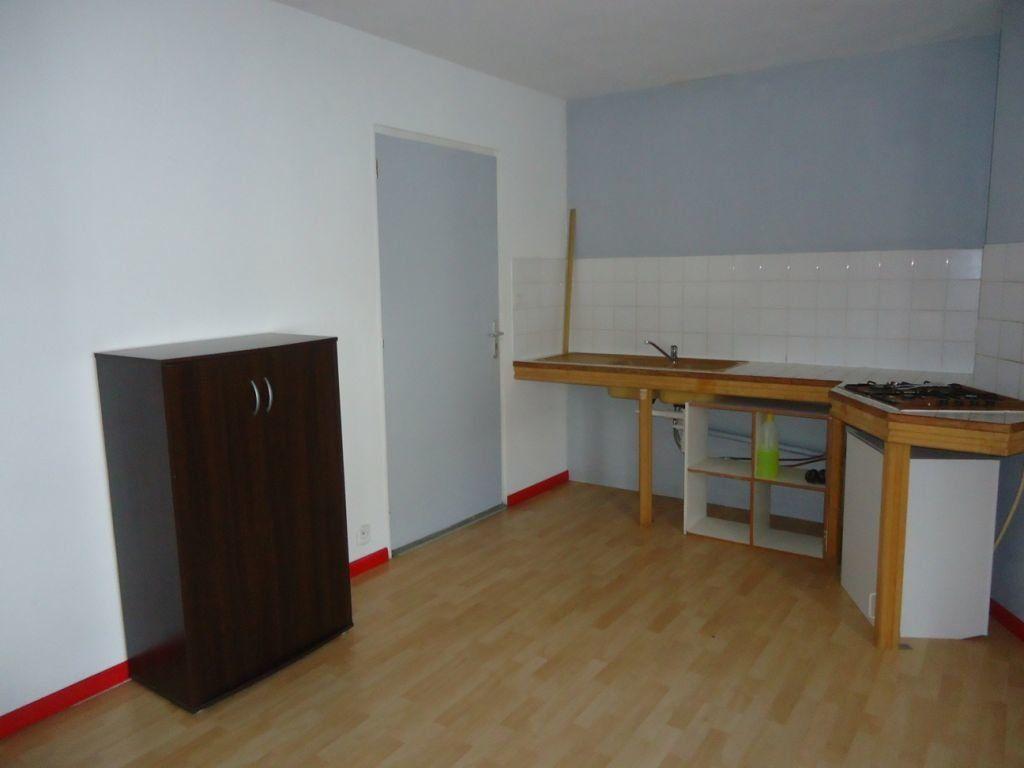 Appartement à louer 1 55m2 à Rostrenen vignette-2